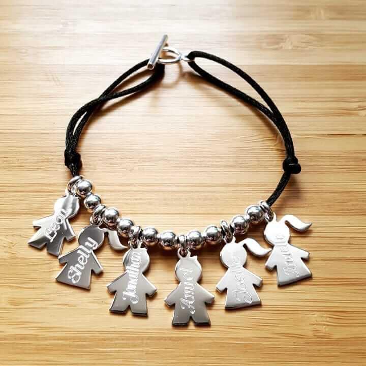 bracelet personnalis pour maman avec pr noms des enfants. Black Bedroom Furniture Sets. Home Design Ideas