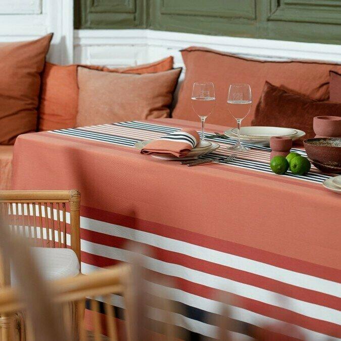 nappe tissu. Black Bedroom Furniture Sets. Home Design Ideas
