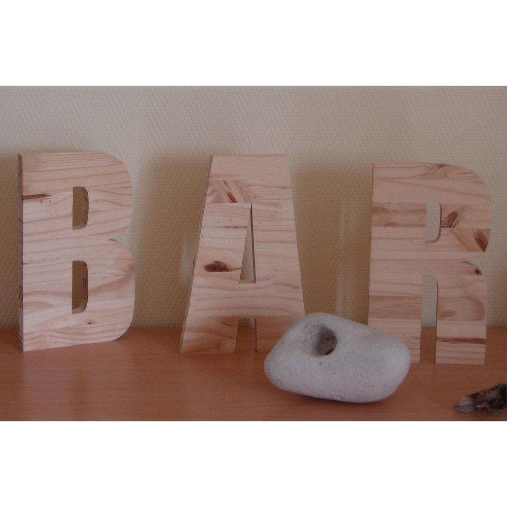 Lettre En Bois A Poser : lettre en bois poser ~ Teatrodelosmanantiales.com Idées de Décoration