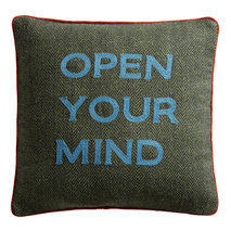 "Coussin message ""Open your mind"""