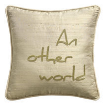 "Coussin message ""An other world"""