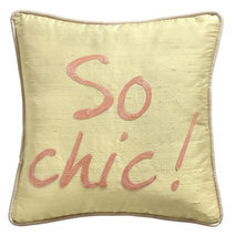 "Coussin message ""So chic"""